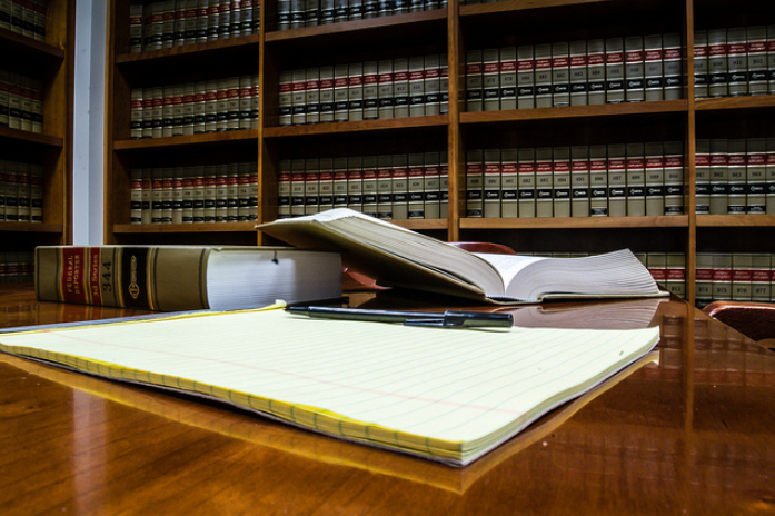 lawyer-library-2